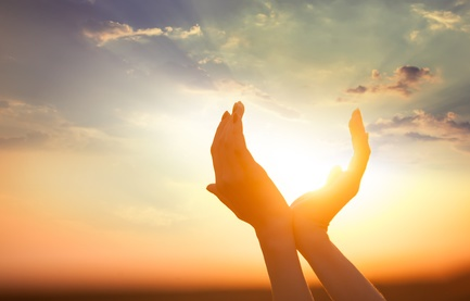 hands holding-Sun